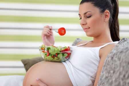 Healthy pregnancy eating salad